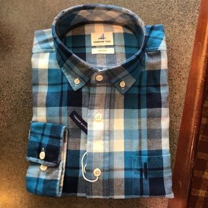 Johnnie-O size M Mens Woven